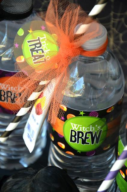 Super Easy DIY Halloween Witch's Brew - via BirdsParty.com