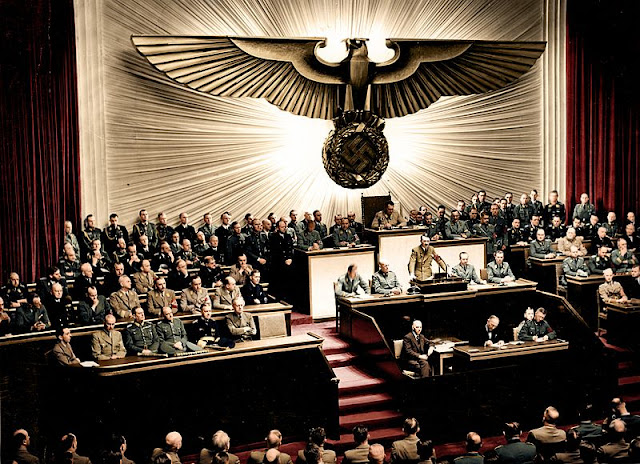 Nazi Jerman diminta untuk datang ke wilayah pertahanan sekutu-sekutunya. Sejak Jepang mengambil langkah pertama menyulut peperangan dengan AS dengan melakukan pemboman pangkalan militer AS di Pearl Harbour pada 7 Desember 1941. Jerman terikat untuk membantu Jepang melawan AS di Asia-Pasifik. Jerman yang selama ini membantu Italia pada pertempuran di Al Alamein di Afrika membantu sekutu Italia mereka yang lemah harus dihadapkan dengan keterikatan membantu Jepang di Asia Pafif sesuai dengan ketentuan Pakta Tripartit yang mengikat Poros Berlin-Roma-Tokyo.