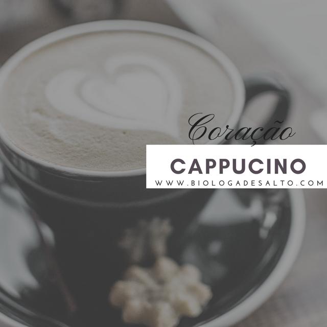 Cappuccino com desenho de coração