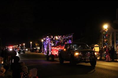Taylor's Falls Christmas lighting parade, a community event