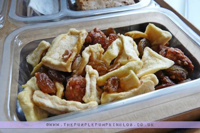 graze box review - eleanor's apple crumble, dried fruit mix
