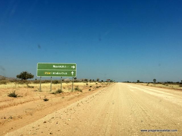 conducir por las carreteras tipo C en Namibia