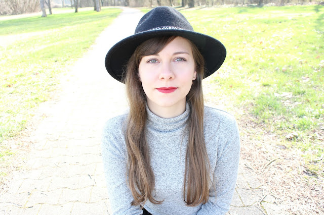 tenue femme chapeau