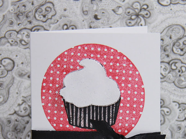 Placecard Cupcake Party Invitation!