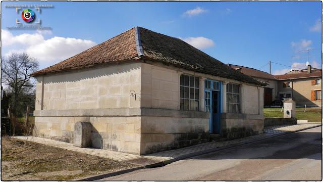 BONNET (55) - Lavoir et fontaine de la Villotte (XIXe siècle)