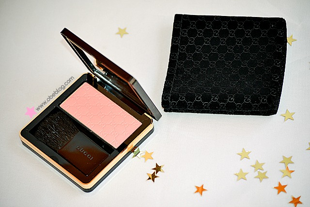 GUCCI_Beauty_blush_coral_flower_ObeBlog_01