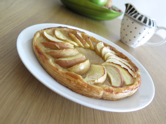 Simple Vegan Apple Tart,