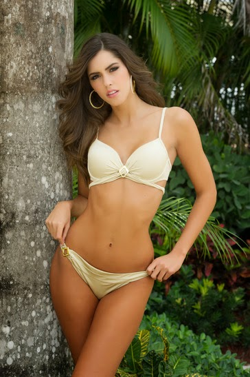 Usual latinas with wide hips something