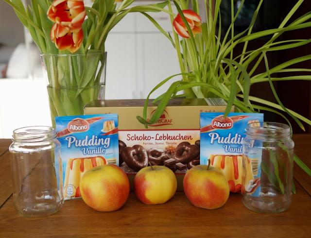 Rezept: Upcycling für alte Lebkuchen mit nur drei Zutaten übrige übrig gebliebene wiederverwerten Glas Dessert Schicht-Dessert Nachtisch Vanillepudding Äpfel Apfel Zutaten