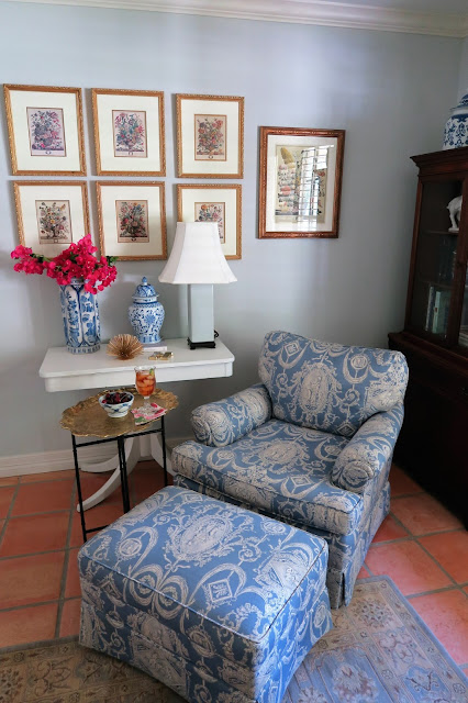 blue and white chair, table, inspiration, decorating
