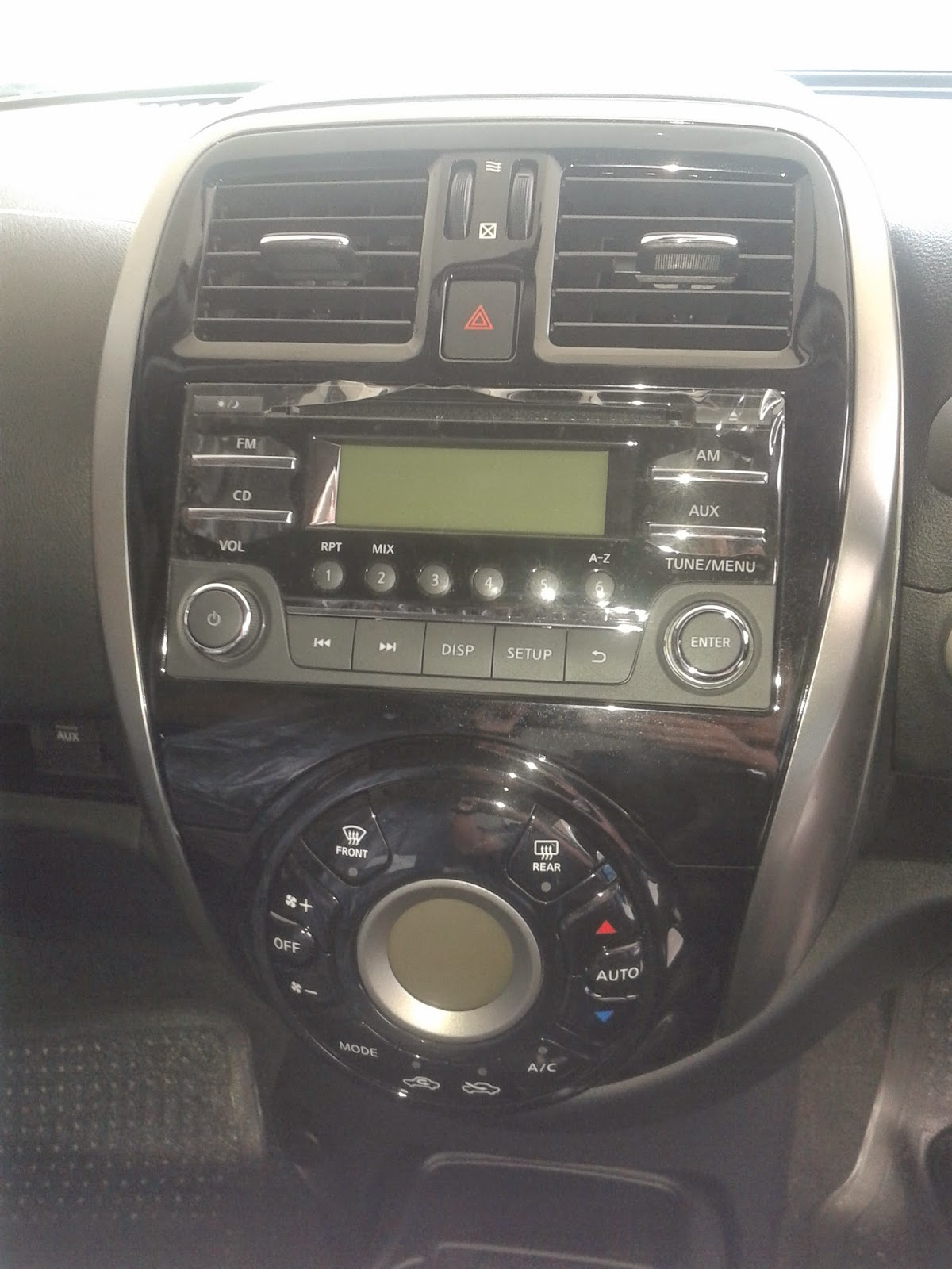 Interior Nissan March
