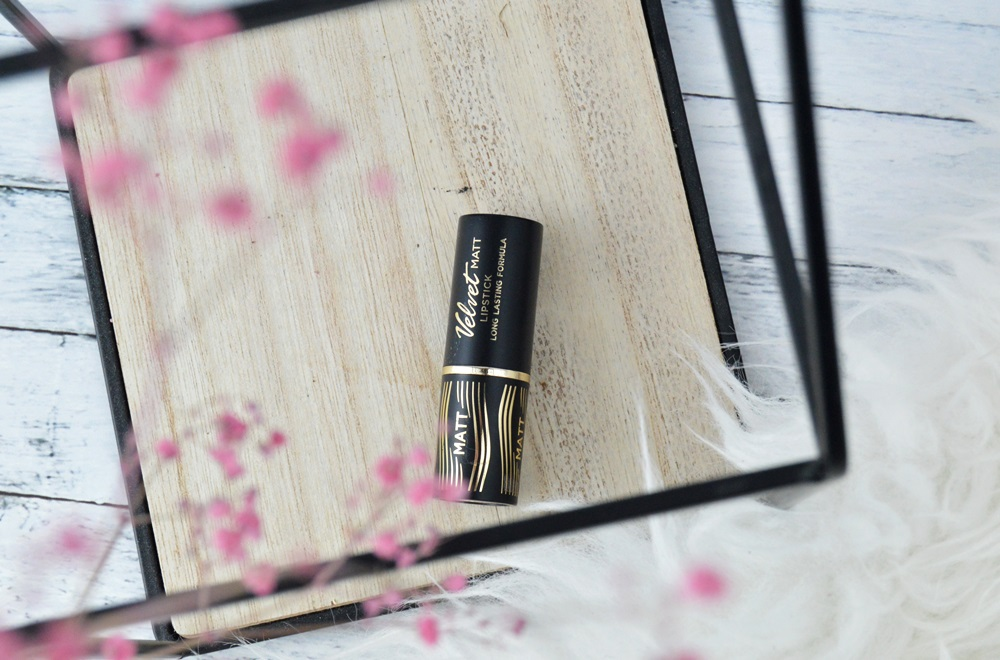 Eveline Cosmetics, pomadka Velvet Matt Long Lasting Formula 506