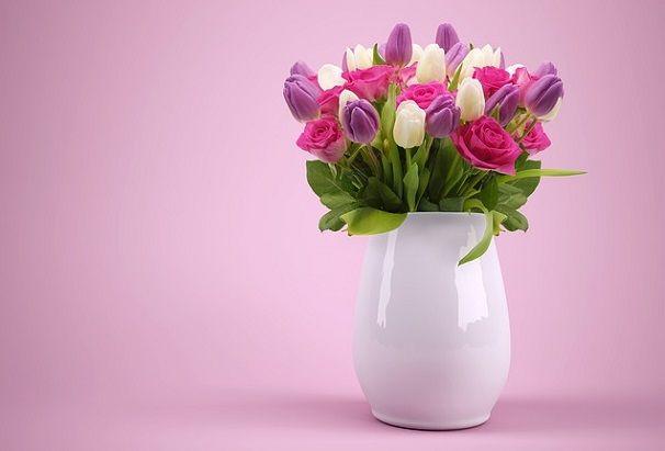 Tulip flower ke bare me