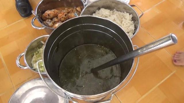 Thức ăn cho các trẻ tại trường bị tố cáo không đảm bảo chất lượng
