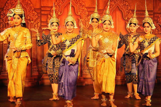 Traditional apsara dance at Cambodian Living Arts, Phnom Penh, Cambodia - travel blog