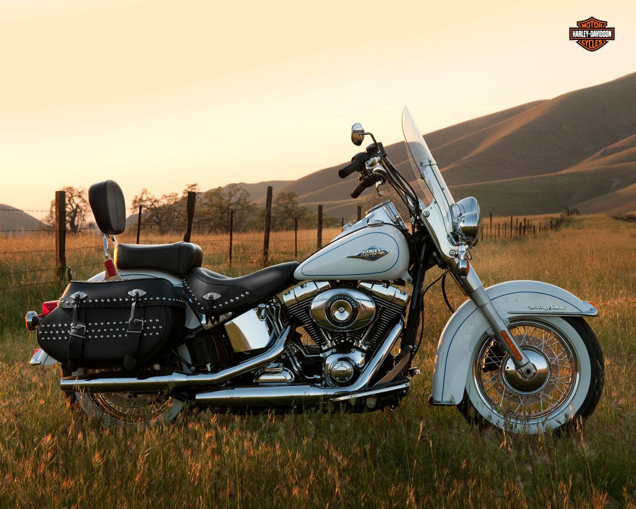 Harley Davidson 2012: Harley Davidson Bikes: 2012 Harley Davidson FLSTC Heritage