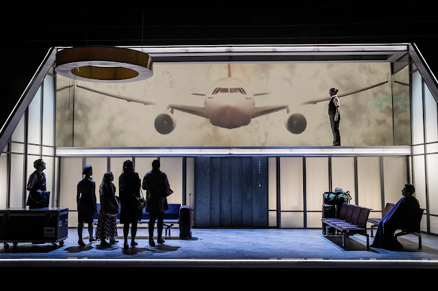 Jonathan Dove: Flight - Robert Garland, Flora MacDonald, Alexandra Oomens, Frances Gregory, Leila Zanette, Aoife O'Connell, Alexander Aldren - Royal Academy Opera (Photo Robert Workman)
