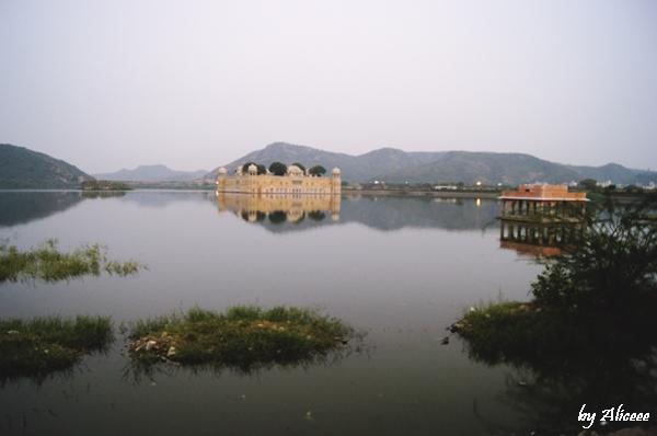 Jaipur-obiectiv-turistic-Jal-Mahal