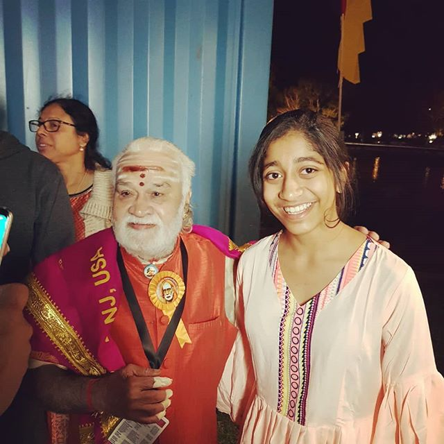 AIDA's Lead Performer - Arundhati Banerjee blessed by Vidwan Padmashree and Grammy Award Winner Vikku Vinayakram at OZ Asia Festival 2018. A blissful evening felt by all of us at AIDA-Bharatanatyaved watching the divine and soulful performance of Vidwan Vikku Vinayakram and troupe.