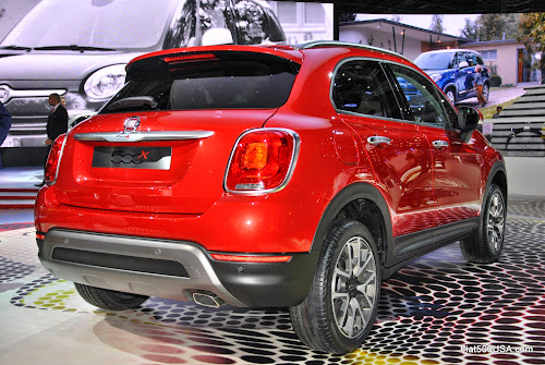fiat 500x at paris motor show fiat 500 usa. Black Bedroom Furniture Sets. Home Design Ideas
