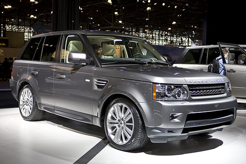 Car Overview: 2013 Range Rover Sport
