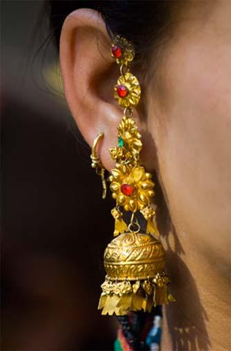 Engagement Gold Necklace Designs
