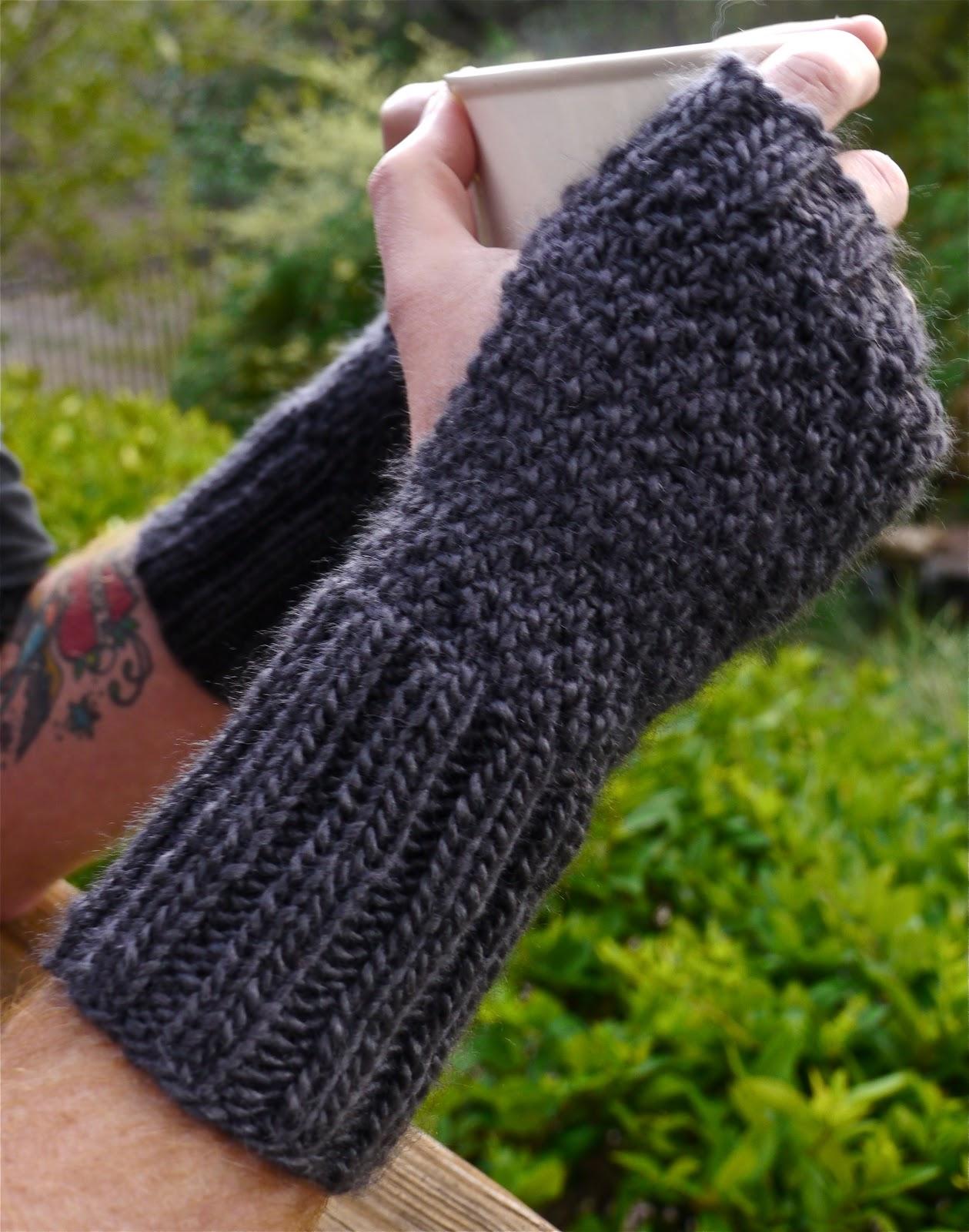 New Sheep(ish) Pattern: Hand-tastic Wrist Warmers ...