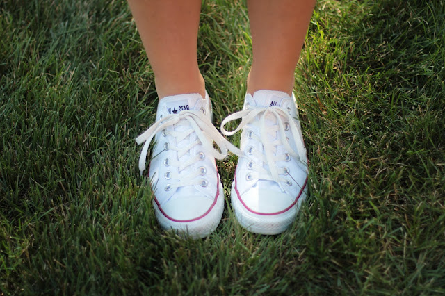 white converse, white sneakers, white chuck tailors, chuck taylor