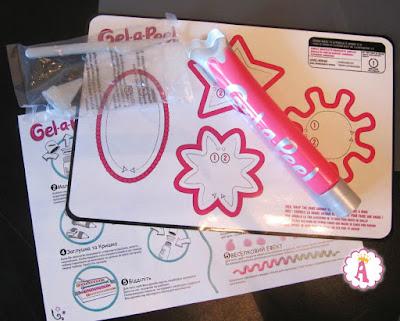 Что входит в набор юного дизайнера gel-a-peel