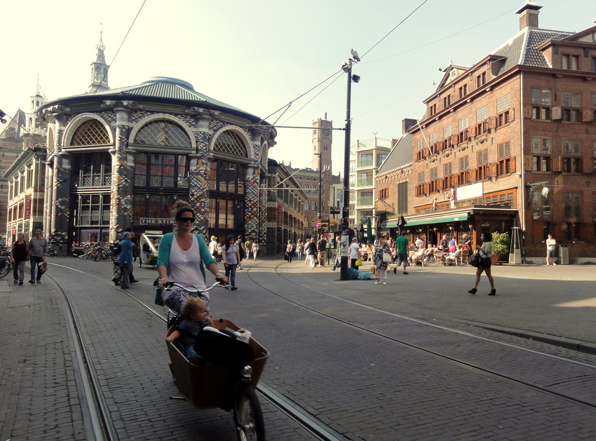 Netherlands: Shopping and Lunching (at Zebedeus) in Den Haag