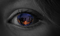 reflection's in a woman's eye