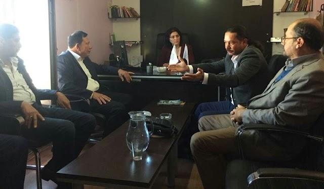 Yazar, HDP'yi ziyaret etti