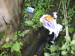 Trabalhadores que tem contato com esgoto e lixo, estão sujeitos à insalubridade máxima por agentes biológicos