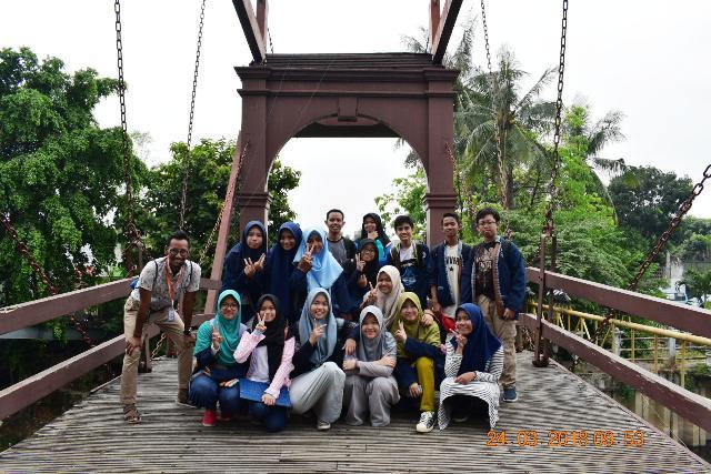 wisata kota tua murid mtsn 4 kelas bilingual bersama jakarta good guide jembatan kota intan