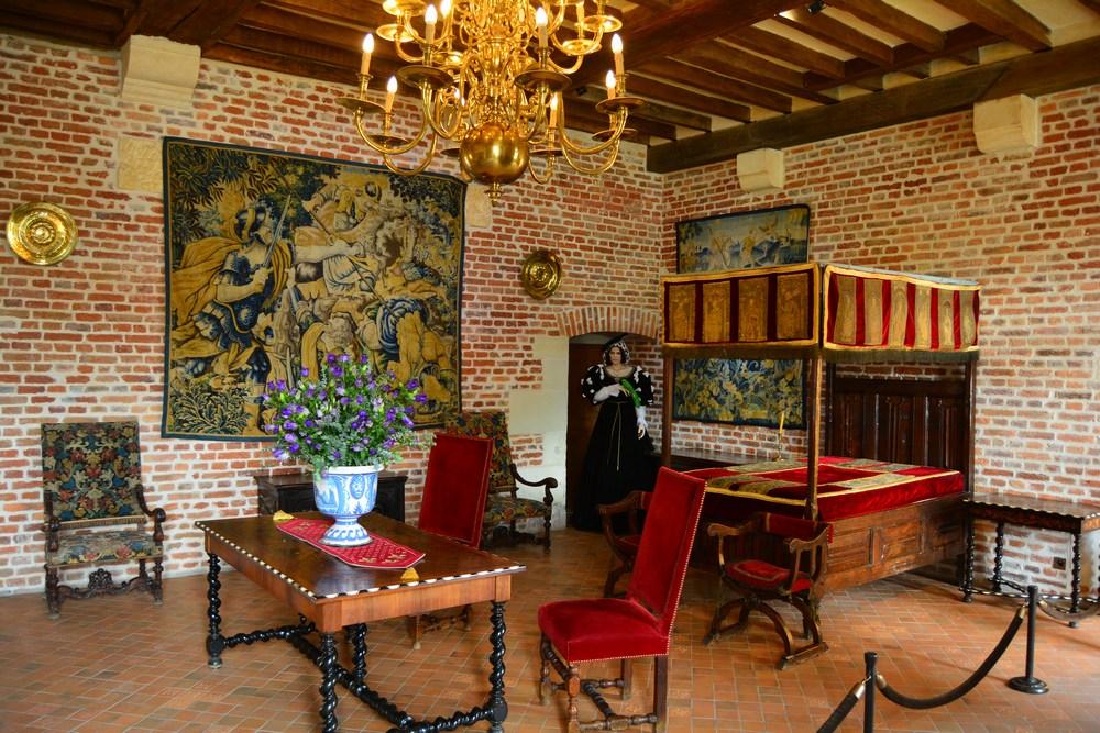la chambre de Marguerite de Navarre, soeur aînée de François Ier, a été restaurée selon l'esprit du XVIème siècle