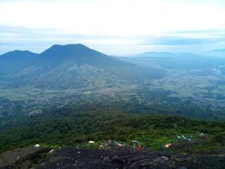 Tips Mendaki Gunung Yang Benar Dan Terlengkap