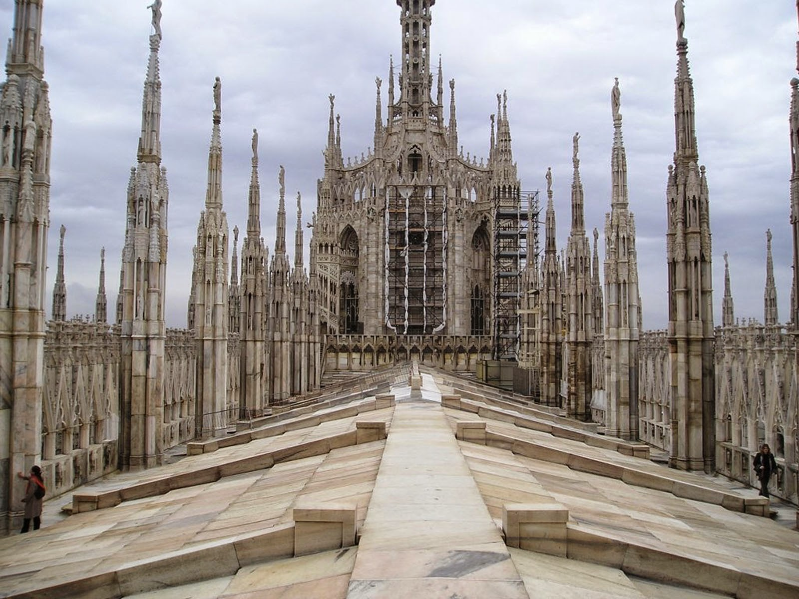 wallpapers: Roof of Milan Cathedral Wallpapers