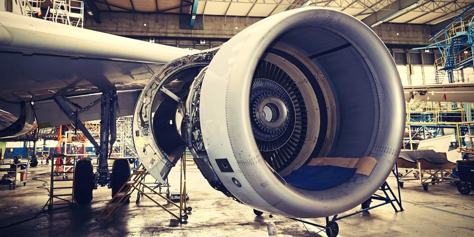 항공기 엔진 정비