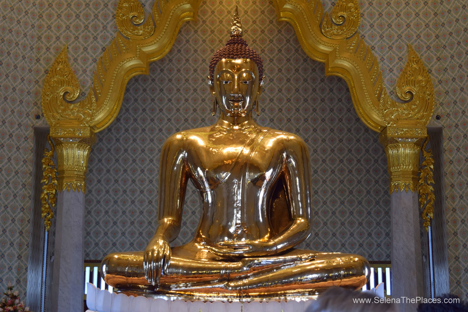Oh, the places we will go!: Golden Buddha of Wat Traimit