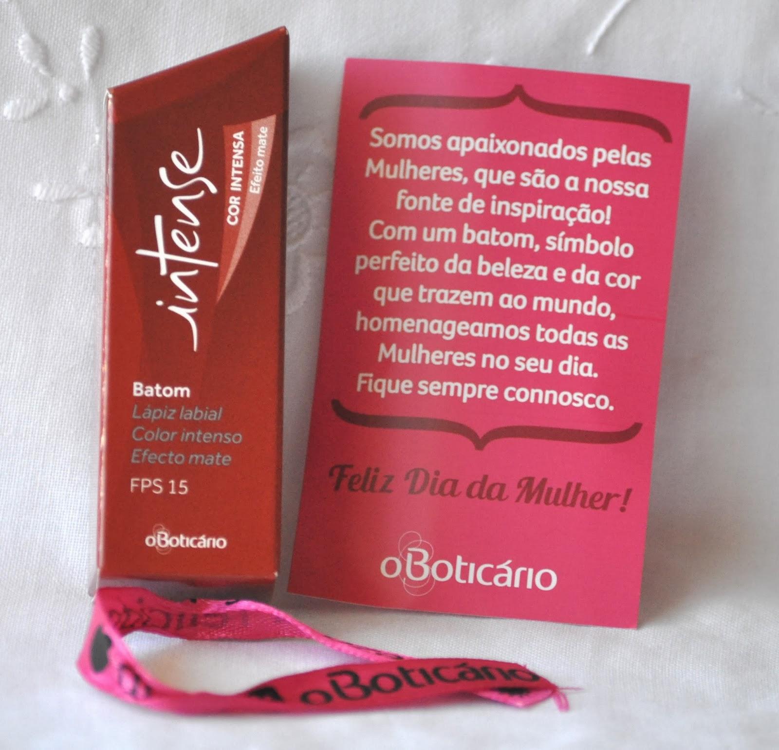 14aaf7d5bfac0 Vida de Mulher aos 40  Boticário  Free Lipstick
