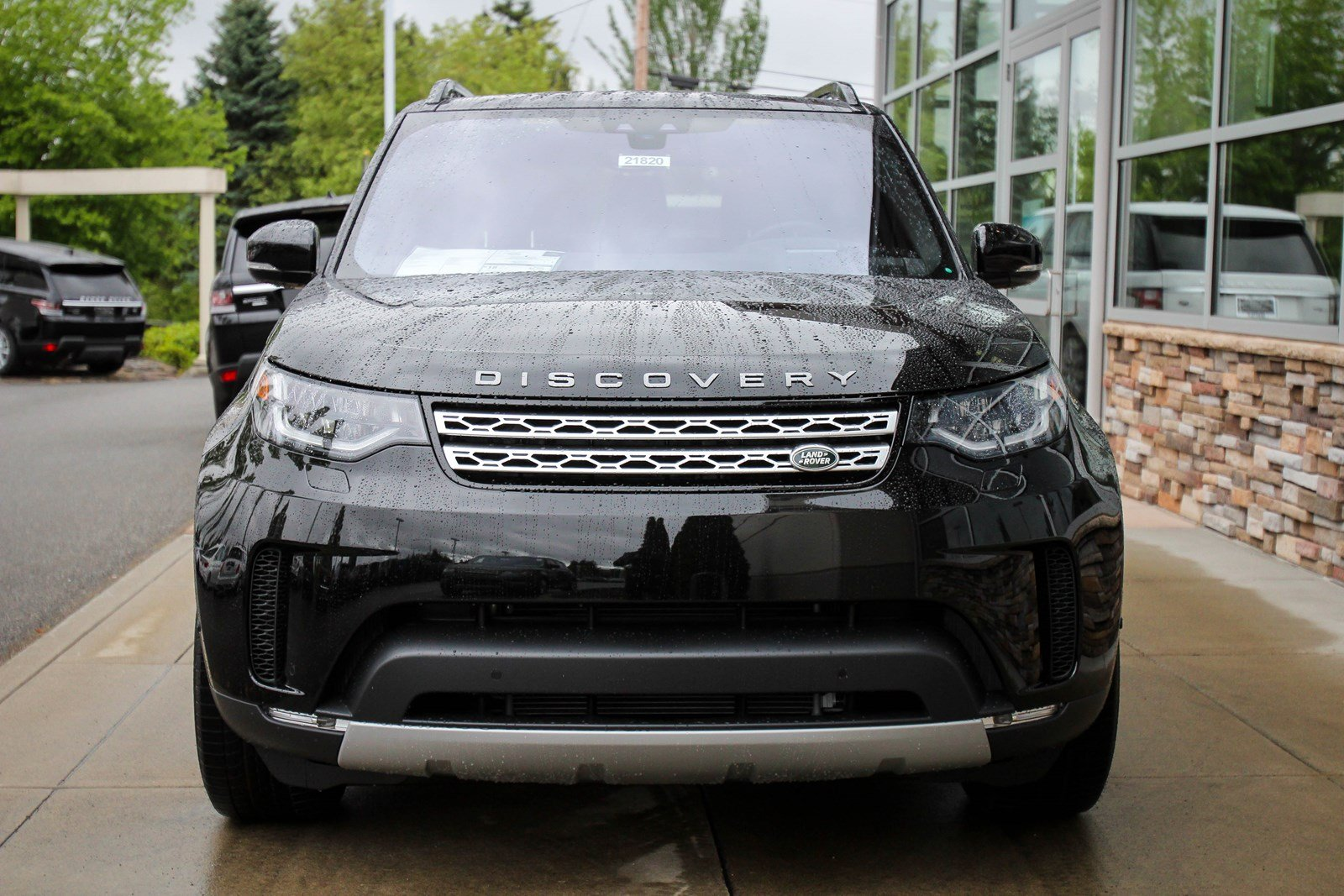 Land rover discovery hse luxury 3.0 màu đen
