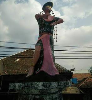 patung penari topeng dinilai lecehkan warga losari