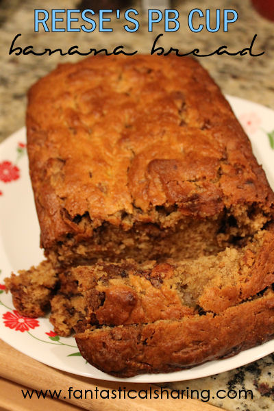 Reese's PB Cup Banana Bread | Peanut butter cups and banana are great partners-in-crime in this banana bread #recipe #bananabread #Reeses #bread
