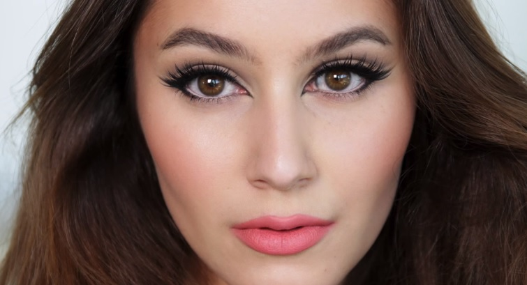 4 Cat Eye Makeup Trends Look Like Catwoman Eye Makeup