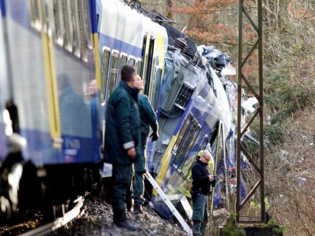 Keretapi Bertembung, Lapan Maut, Ratusan Yang Lain Cedera