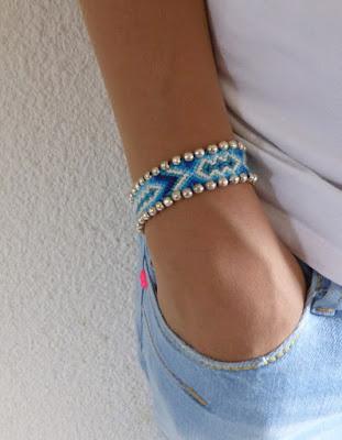 bracelet brésilien de couleur bleu avec perles