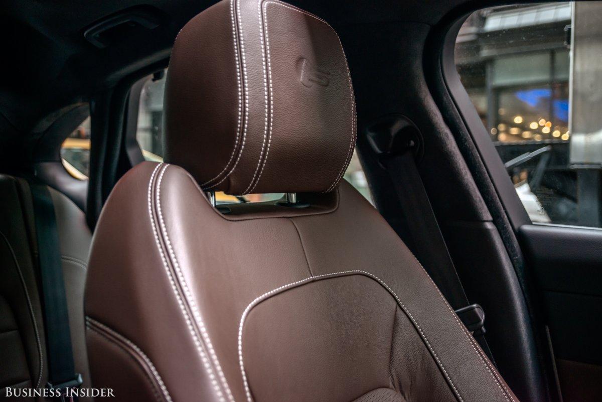 Jaguar XF mới