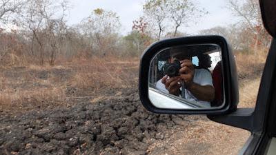 foto selfie di kaca mobil