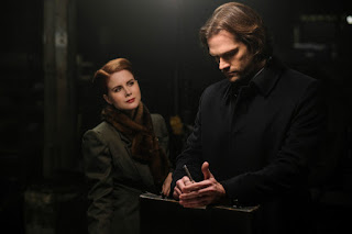 "Leanne Lapp as Margaret Astor and Jared Padalecki as Sam Winchester in Supernatural 13x15 ""A Most Holy Man"""