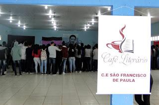 http://vnoticia.com.br/noticia/3064-cafe-literario-reune-cerca-de-450-alunos-no-cesfp